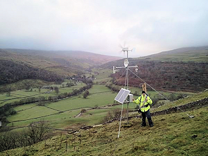 Small Fixed Wireless Broadband Mast from lncomms.co.uk
