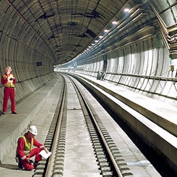 channel tunnel link between uk and france