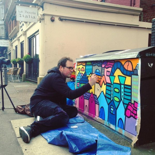 virgin_media_uk_painted_street_cabinets