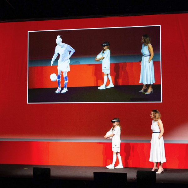vodafone_5g_holographic_call