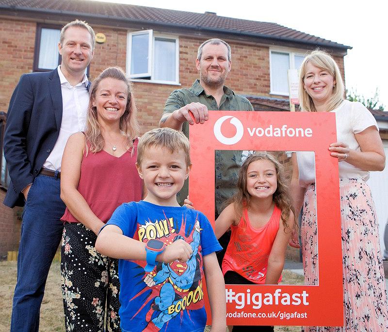 vodafone_gigafast_broadband_first_family