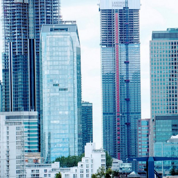 high rise buildings london by javad amirian on unsplash