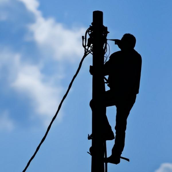 telegraph pole broadband maintenance