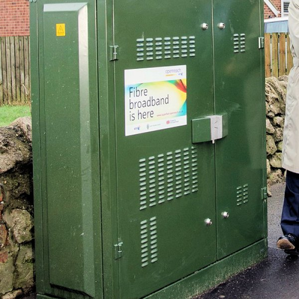 fibre_broadband_is_here_fttc_cabinet_long_image