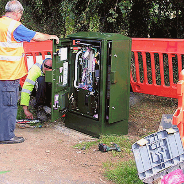 bt superfast broadband cabinet uk installation