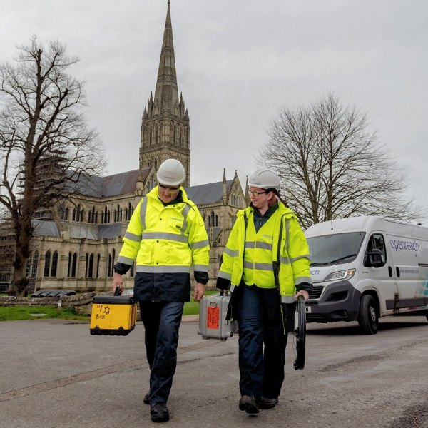 fttp engineers outside salisbury cathedral openreach