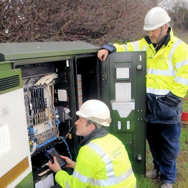 openreach fttc two engineers
