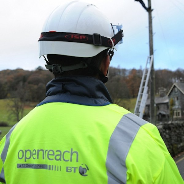 openreach uk telecoms engineer with back turned