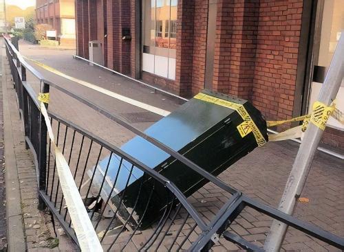 damaged bt fttc street cabinet