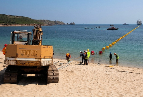 fibre_optic_cable_laying_ship