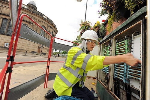 openreach_fttc_street_engineer_female
