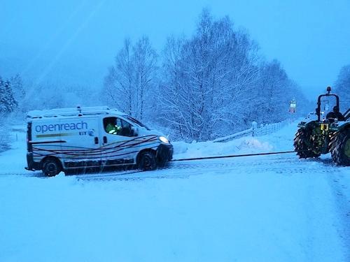 snow_openreach_van_tow