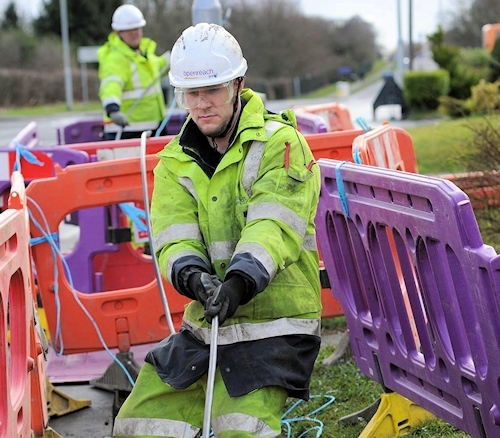 openreach engineer pulling cable