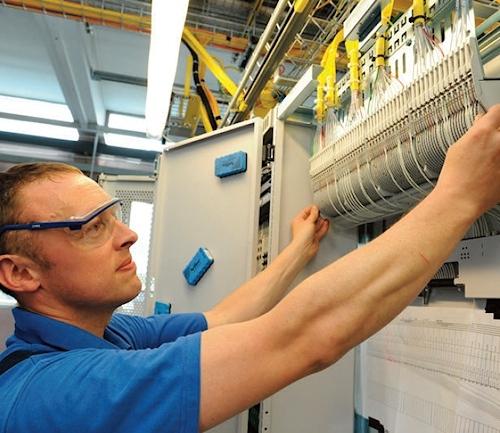 indoor_telecoms_engineer_bt_openreach