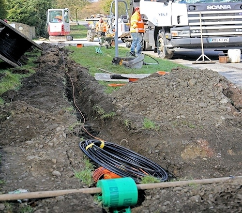 gigaclear fibre optic trench digging