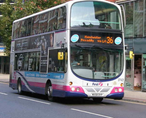 Central Manchester Trials Bus Stops with Free WiFi and USB Chargers