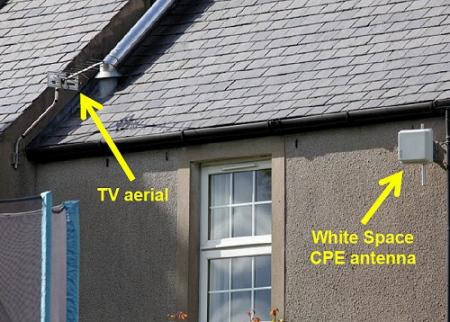 white_space_broadband_home_install_antenna