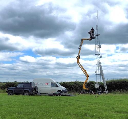 dyfed it superfast broadband mast