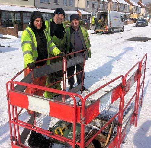 snow openreach engineers