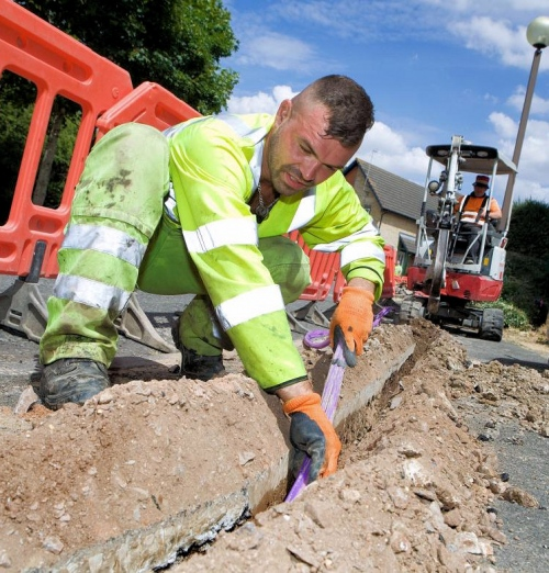 vodafone cityfibre ftth micro trench and engineer