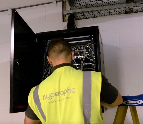hyperoptic engineer next to network box