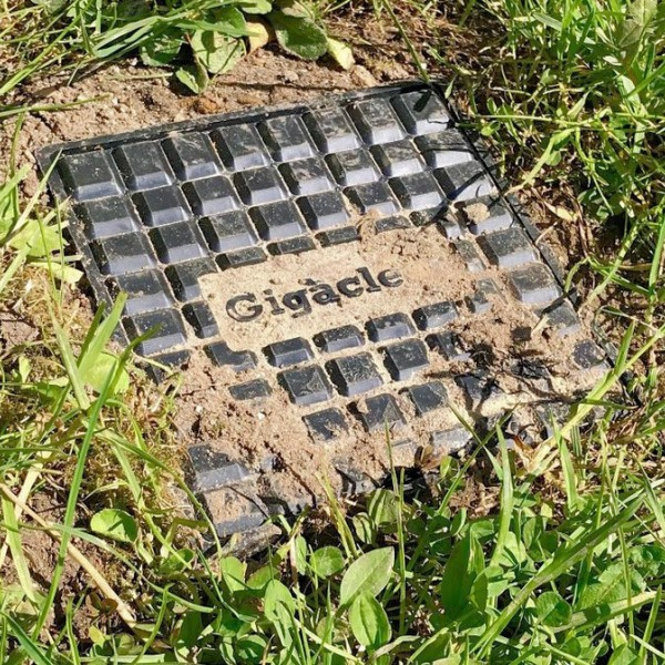 gigaclear manhole
