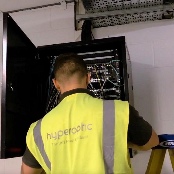 hyperoptic engineer next to network box