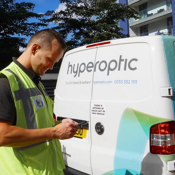 hyperoptic engineer van high resolution broadband
