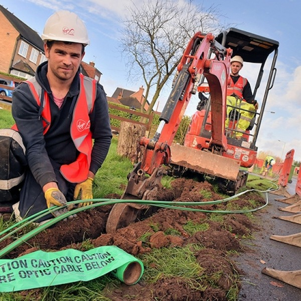 virgin_media_docsis_fibre_optic_trench_digger
