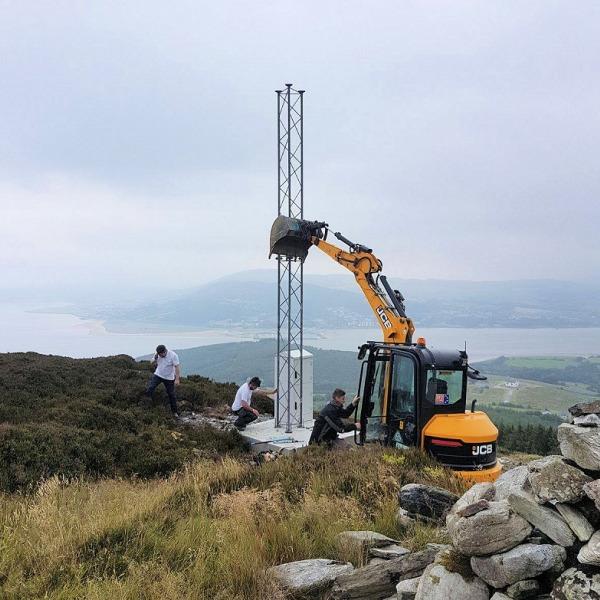 beacon broadband mast