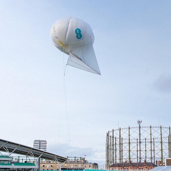 ee uk mobile 4g balloon