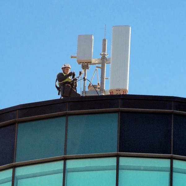 vodafone 5g antenna