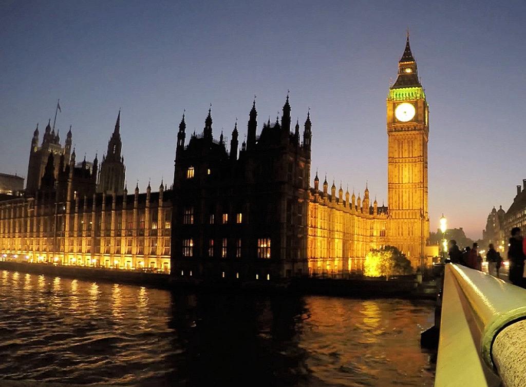 big_ben_uk_parliament_night
