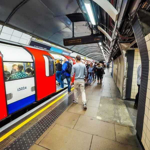 london tube train network rail tfl uk