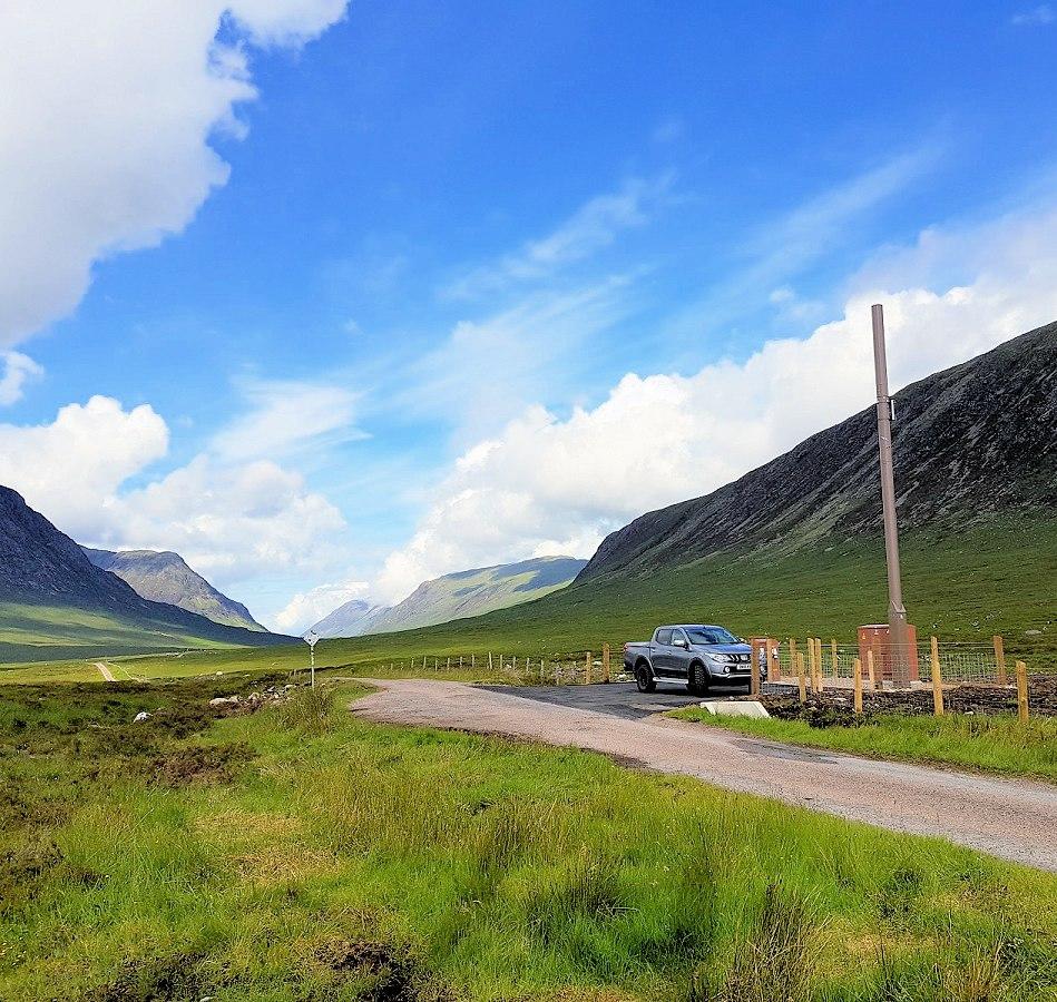 ee_esn_4g_mobile_mast_rural_scotland