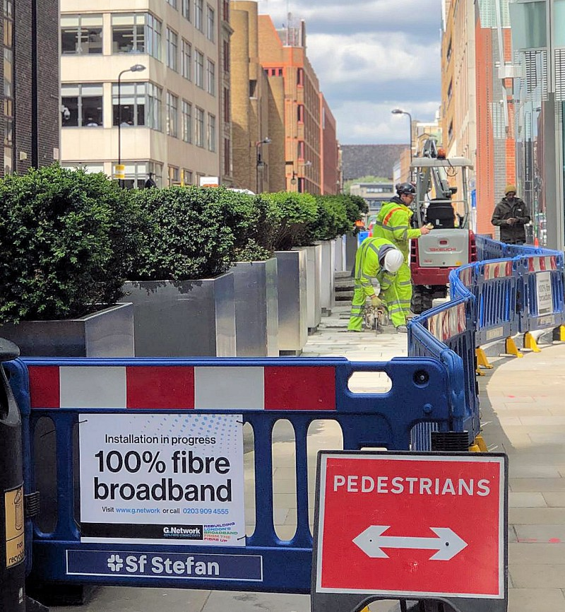 gnetwork_fibre_works_in_street_london