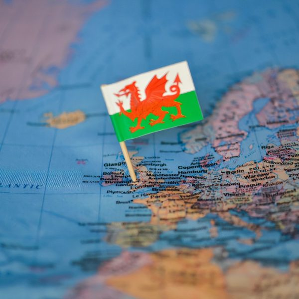 wales_on_uk_map_and_flag