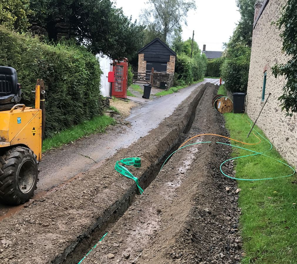 technological_rural_fttp_village_trench_work
