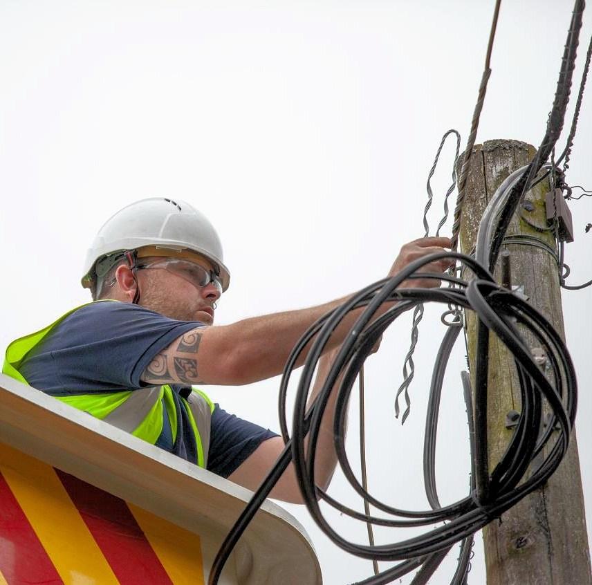 airband fttp build telegraph pole
