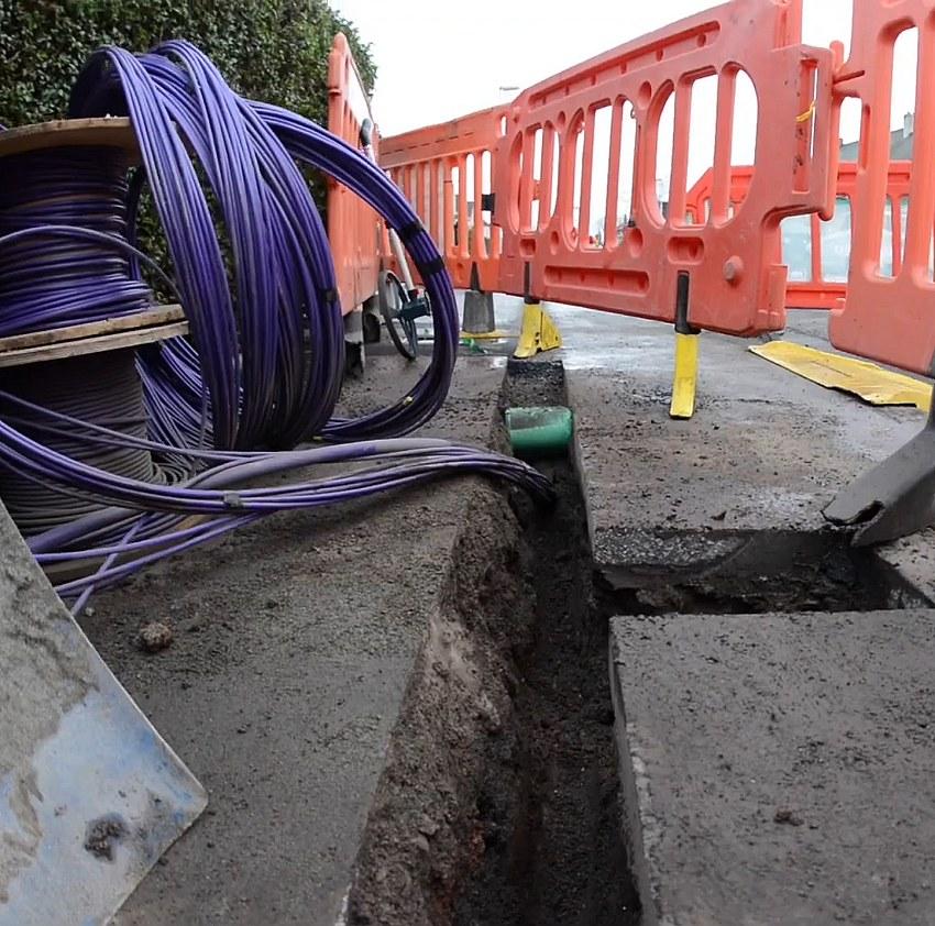 cityfibre ftth narrow trench safe dig