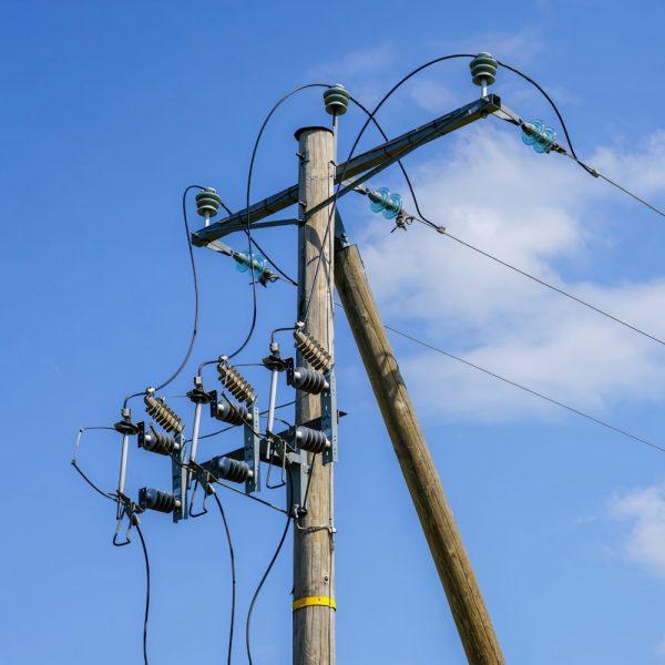 electricity low voltage poles uk