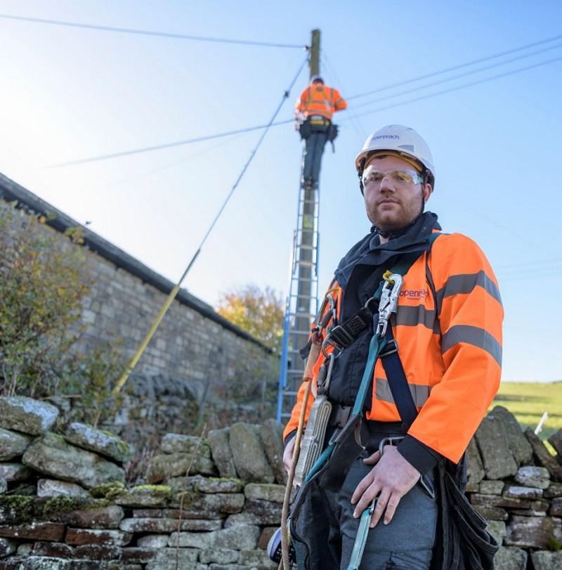 telegraph pole fttp openreach engineers rural