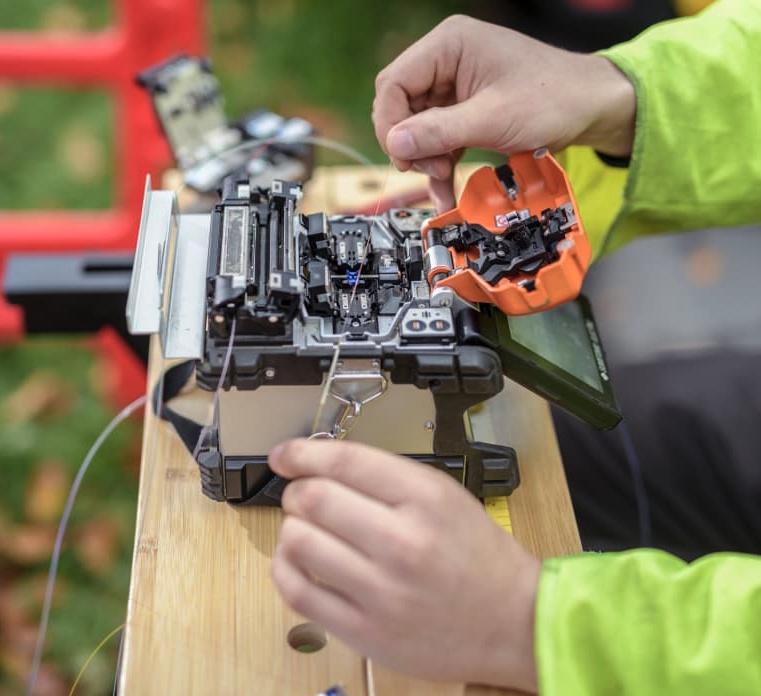 fibre splice outdoor openreach engineer fttp