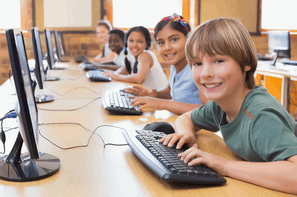 children internet surfing