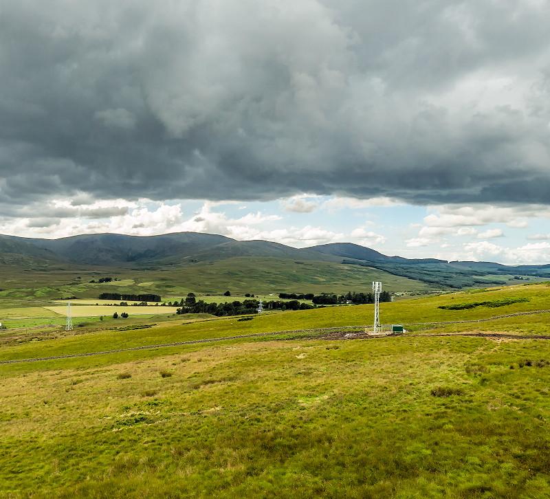 ee 4g mast in a rural uk field